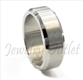 Stainless Steel Mens Comfort Fit Band in Silver